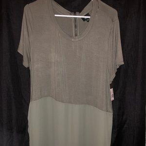 NEW WITH TAGS Tunic Length Tee